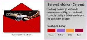 Dárková obálka v červené barvě, do které je vložen Dárkový poukaz.