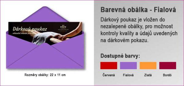 Dárková obálka ve fialové barvě, do které je vložen Dárkový poukaz.